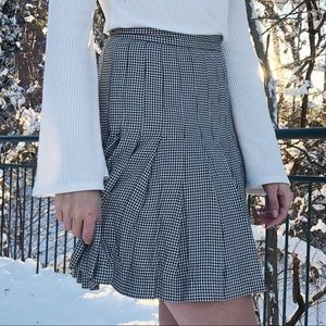 Black and White Houndstooth Pleated Skirt